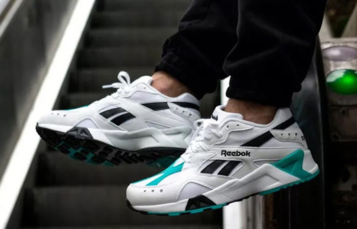 Reebok Aztrek on feet puestas
