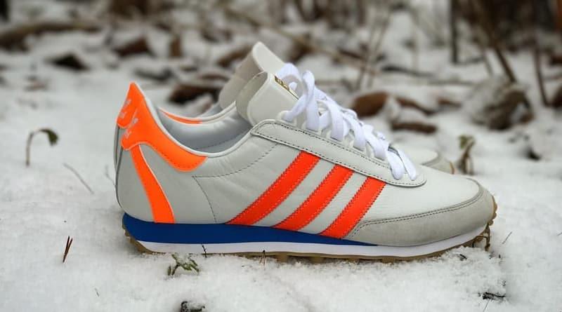 Adidas Nite Jogger 1976 blancas en la nieve.
