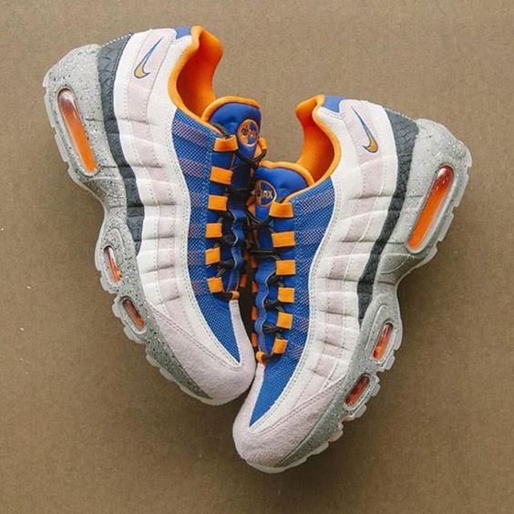 zapatillas nike air max 95 hombre de colores azul, naranja, gris y blanco