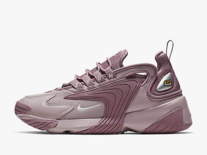 Zapatillas Nike Zoom 2K modelo polvo ciruela/tiza ciruela/rosa pálido. Referencia: AO0354-500